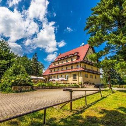 Český ráj: Jaro a léto v Parkhotelu Skalní město *** s 50% slevou na vířivku a polopenzí + víno neomezeně