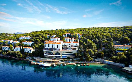 Chorvatsko, Kvarner | Uvala Scott** | Dítě zdarma | První řada u moře | Polopenze