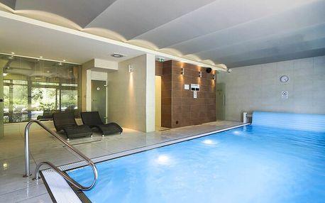 Jeseníky: Skvělý pobyt ve Wellness Hotelu Peras **** s bazénem, fitness, welcome drinkem, dezertem a polopenzí