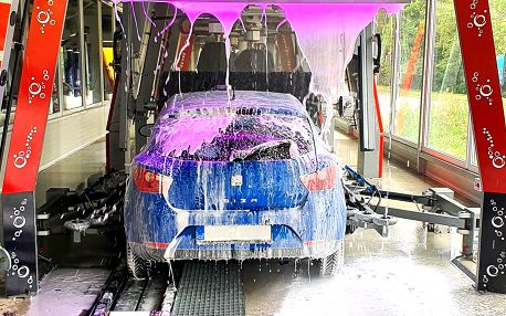 Mytí vozidla v šetrné automyčce: 3 programy