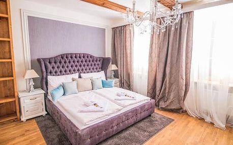 Český Krumlov: Romantika v Hotelu Krumlovská pohádka *** v pokoji Deluxe s láhví vína a parádní polopenzí