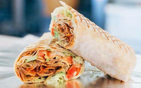Kebab a falafel wrap, hranolky i veganský salát