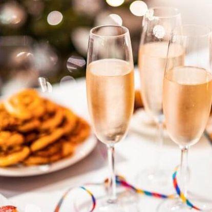 Mariánské Lázně: Silvestr v Parkhotelu Golf **** s gurmánským menu, cukrovím i punčem + wellness a procedura