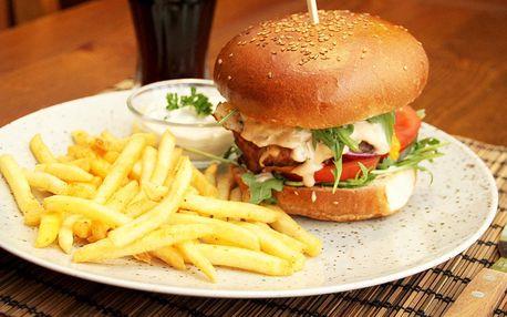 Burger podle výběru, hranolky a nápoj pro 1–4 osoby
