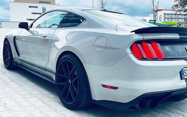 Jízda ve Ford Mustang GT350 SHELBY | Brno | 1. duben - 31. říjen (v předem vypsané termíny). | 70 minut vč. administrativy a instruktáže.4