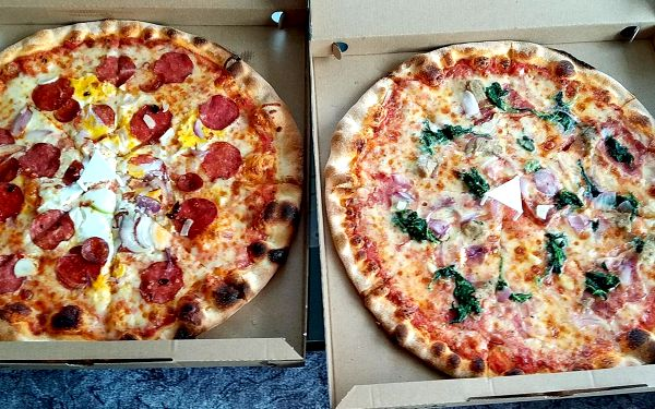 2 pizzy, průměr 32 cm2