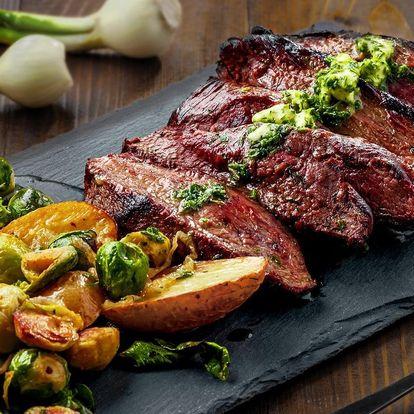 Hanger steak s omáčkami a pečenými bramborami