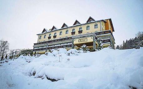 Zima na Kysucích u lyžařské a běžecké magistrále v Hotelu Husárik ****