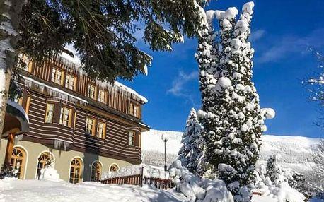 Krkonoše: Špindlerův Mlýn u ski areálů v Alpském Hotelu ***+ s neomezeným wellness, polopenzí a slevami