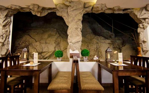 Hotel Fatra s vlastní jeskyní a blízko Vrátné doliny