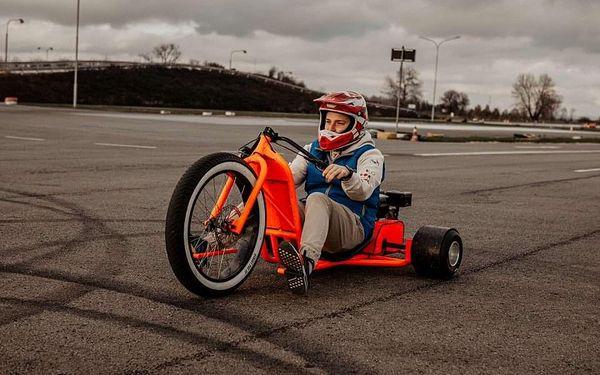 Drift na motorové tříkolce2