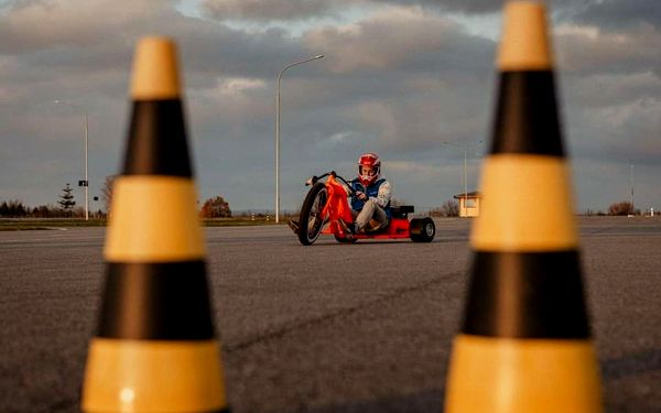 Drift na motorové tříkolce4