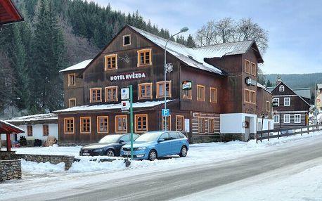 Pec pod Sněžkou 850 metrů od skiareálu v Hotelu Hvězda *** s welcome balíčkem, saunou a polopenzí
