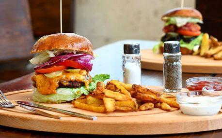 Klasický nebo dvoupatrový burger a hranolky