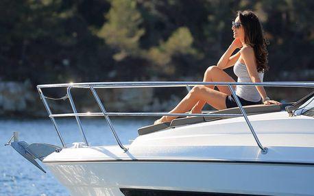 Plavba po Vltavě na luxusní lodi až pro 7 osob
