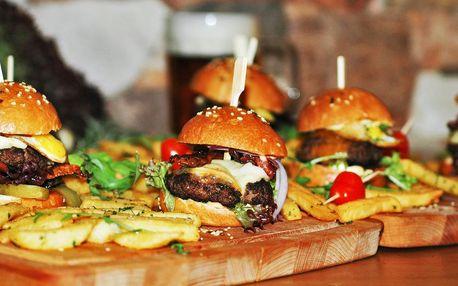 4 nebo 8 mini burgerů a americké brambory