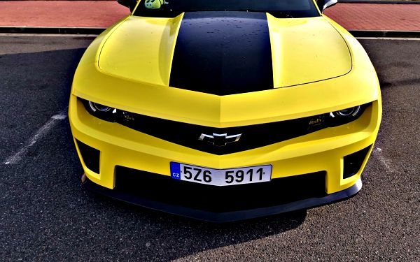 Pronájem Chevroletu Camaro (24 hodin)2