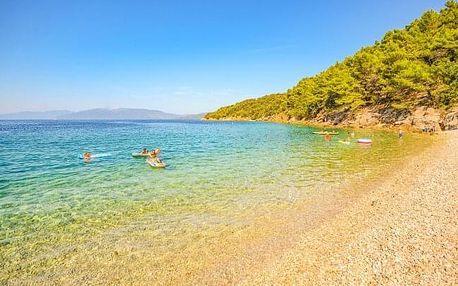 Chorvatsko: Makarská riviéra jen 100 m od moře v Dalmacija Resort Zaostrog s polopenzí + dítě zdarma