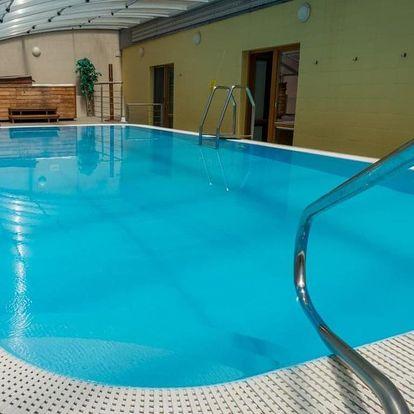 Lednice, Relax Hotel Štork*** se vstupem do venkovního bazénu