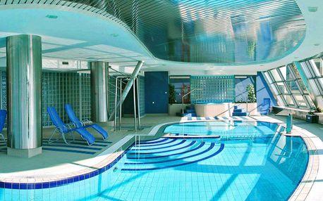 5* relax s polopenzí a krásným výhledem z bazénu