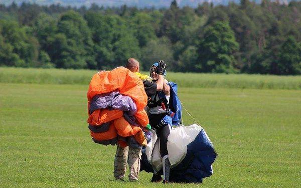 Základní parašutistický výcvik včetně 1 seskoku z letadla5