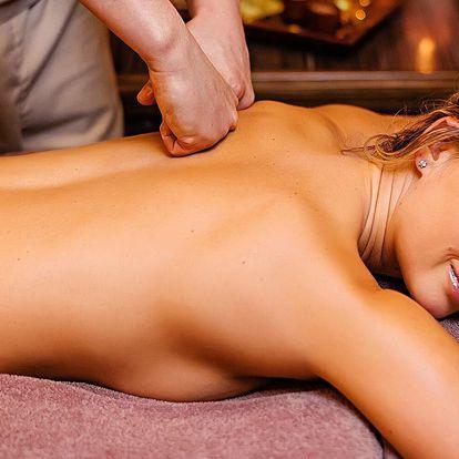 Královský 2,5hodinový relax: peeling, masáž a zábal