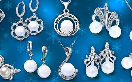 Elegantní perlové šperky: náušnice a náhrdelníky