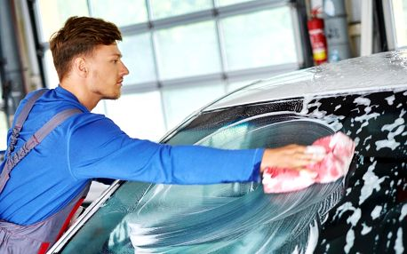 Čištění interiéru či exteriéru auta i renovace laku
