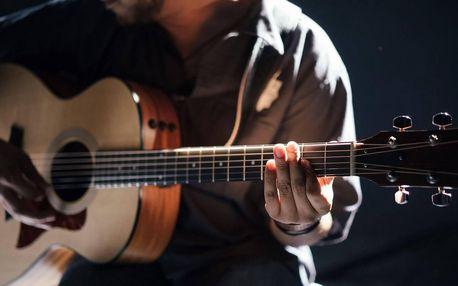 Oblíbený online kurz hry na kytaru