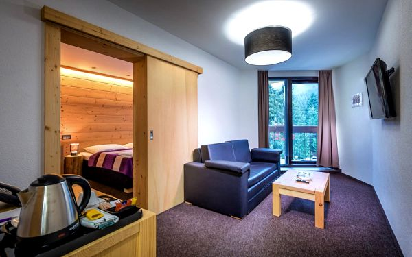 Suite Mini se snídaní (všední dny) | 2 osoby | 2 dny (1 noc) | Období Po 1. 2. – Pá 2. 7. 2021, Pá 3. 9. – Ne 12. 12. 20213