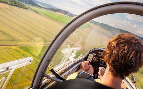 Let v kluzáku na 30 minut i s pilotováním