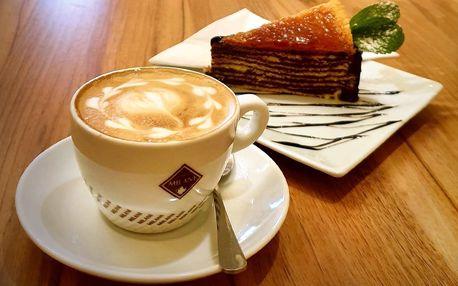 Káva a dort nebo pivo či víno s pikantními nachos