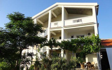 Chorvatsko, Pag: Apartments Edina