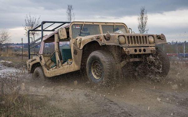 Řízení vojenského Humvee + adrenalinová jízda na korbě Humvee5