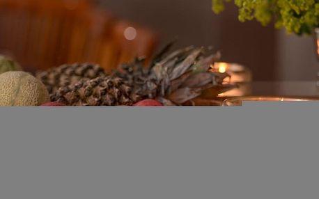 Obří vonná svíčka o váze 2,8 kg v zapékací míse