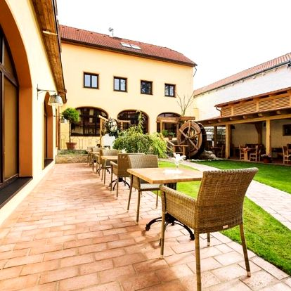 Praha a okolí: Hotel Selsky Dvur - Bohemian Village Courtyard