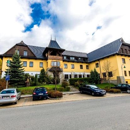 Luhačovice: Valašský Hotel Ogar s pivními lázněmi