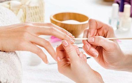 Manikúra a regenerace přírodních nehtů pomocí P-Shine