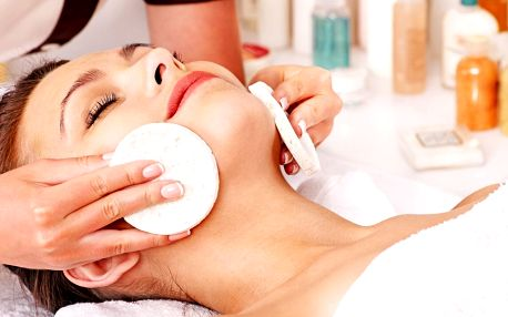 2 hodiny péče pro dámy: kosmetika a masáž