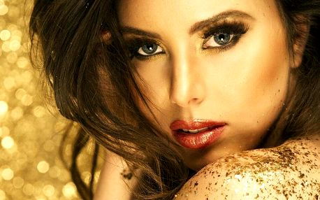 Dvě hodiny pro krásu: masáž, kosmetika a zlatá maska