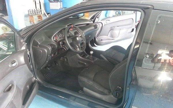 Čištění interiéru automobilu bez tepování sedaček3