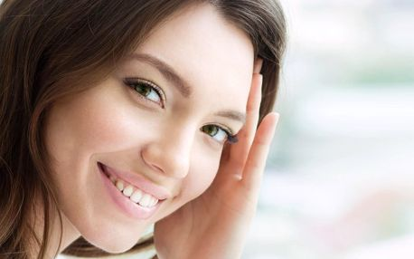 Dentální hygiena i nalepení dentálního šperku