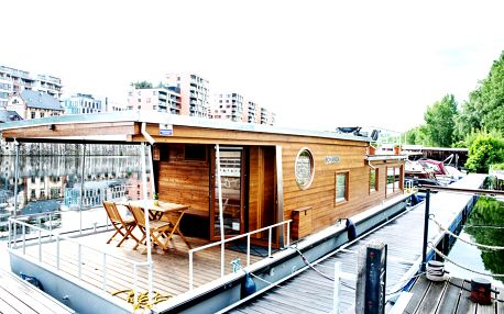 Netradiční ubytování až pro 6 osob v Houseboatu Bonanza v Holešovicích