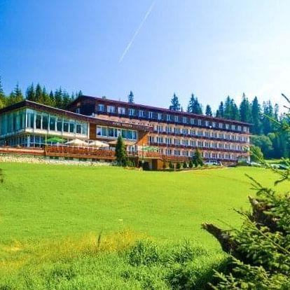Belianské Tatry: Hotel Magura s dětským světem a slevami do aquaparků, wellness i na splav řeky + polopenze