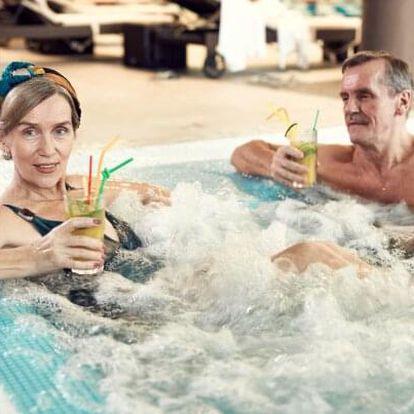 Turčianské Teplice: Seniorský pobyt v Hotelu Rezident *** se vstupem do aquaparku, procedurami a polopenzí