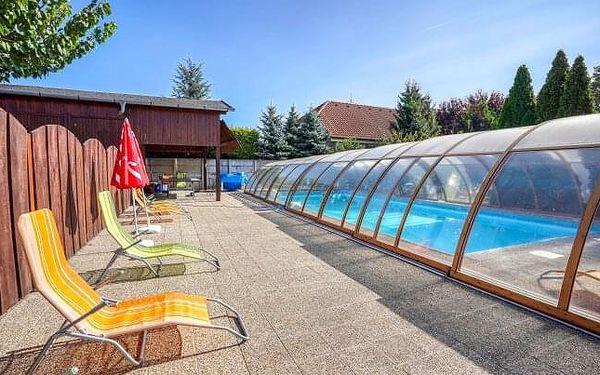 Penzion Žitava nedaleko Podhájské se snídaní či polopenzí, prohlídkou farmy a bazénem + dětské hřiště