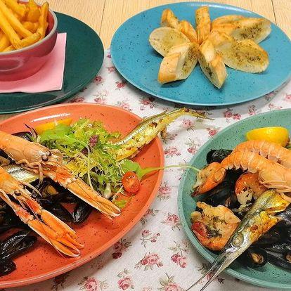 Sklizeň plodů moře v delikátním menu pro dva