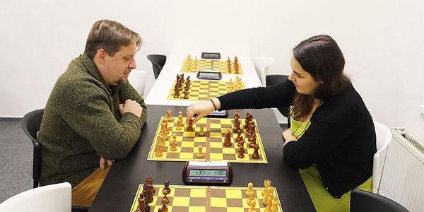 Šachový kurz pro 2 - 4 hráče | Praha | Celoročně – PO, ÚT, ČT, PÁ 8-14h a ST, SO, NE 8-20h. | 120 minut.2