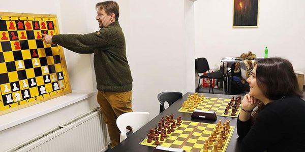 Šachový kurz pro 2 - 4 hráče | Praha | Celoročně – PO, ÚT, ČT, PÁ 8-14h a ST, SO, NE 8-20h. | 120 minut.4