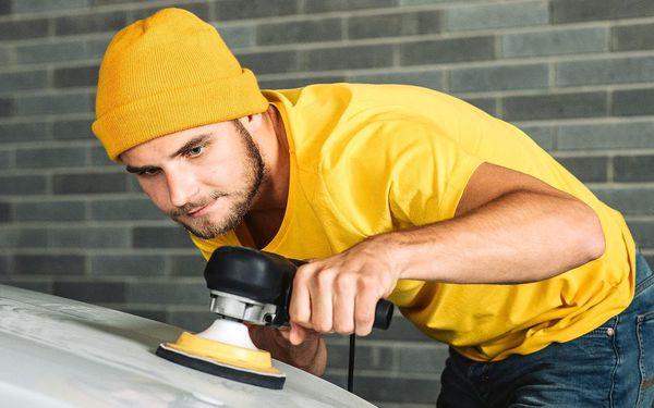 Ochrana a renovace laku osobního automobilu